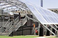 - Milano, maggio 2016, l'ex sito dell'Expo 2015 in attesa di rincorversione e nuovo utilizzo; allestimento del nuovo Teatro all'Aperto<br /> <br /> - Milan, May 2016, the former site of Expo 2015 awaiting reconversion and new use; construction of the new Open Air Theatre