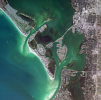 aerial photo map of Sarasota Bay, Manatee and Sarasota counties, Florida, 2007.  For more recent imagery of the same view or other historical imagery, please contact Aerial Archives directly.