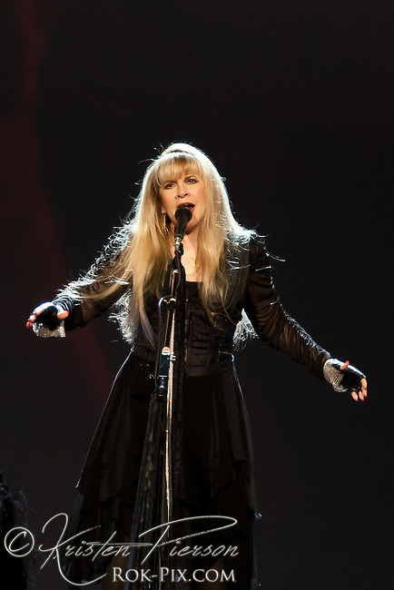 Stevie Nicks performs at Mohegan Sun Arena, July 12, 2012