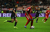 Jerome Boateng (FC Bayern Muenchen) gegen Sebastien Haller (Eintracht Frankfurt) - 22.12.2018: Eintracht Frankfurt vs. FC Bayern München, Commerzbank Arena, DISCLAIMER: DFL regulations prohibit any use of photographs as image sequences and/or quasi-video.