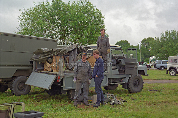 Dunsfold Land Rovers unloading rare car parts at a Land Rover enthusiasts show, UK 1999. --- No releases available. Automotive trademarks are the property of the trademark holder, authorization may be needed for some uses.