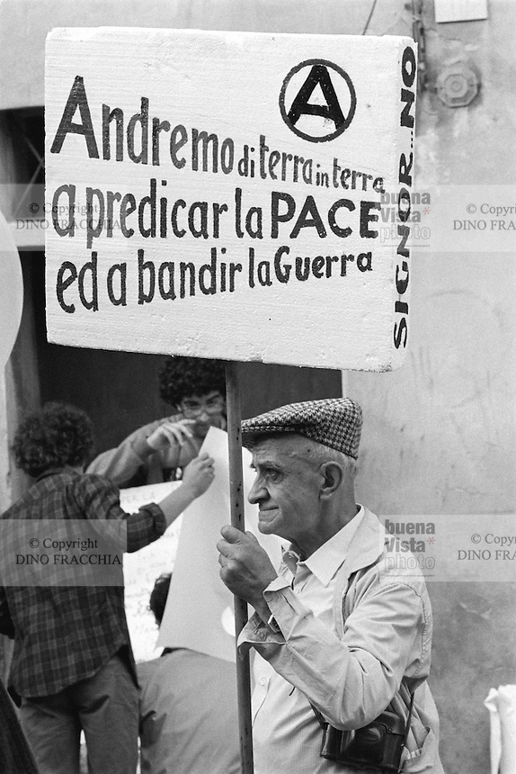 - peace march Perugia Assisi (september 1981)....- marcia della pace Perugia Assisi  (settembre 1981)..