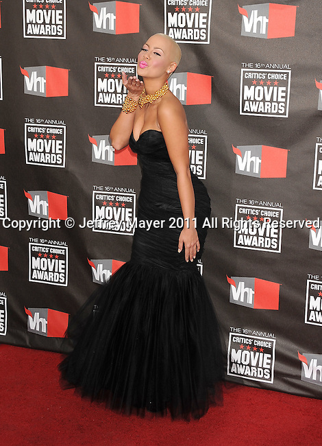 HOLLYWOOD, CA - January 14: Amber Rose arrives at the 16th Annual Critics' Choice Movie Awards at the Hollywood Palladium on January 14, 2011 in Hollywood, California.