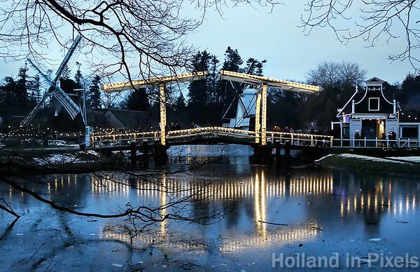 Nederland - Arnhem  - 17 december 2017.  Op 16 en 17 december vond Landleven Winter plaats in het Nederlands Openluchtmuseum.     Foto Berlinda van Dam / Hollandse Hoogte.