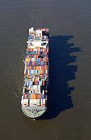 Containerschiff der NYK Line auf der Elbe  : EUROPA, DEUTSCHLAND, HAMBURG, NIEDERSACHSEN, SCHLESWIG HOLSTEIN  (EUROPE, GERMANY), 23.02.2014: Containerschiff der NYK Line auf der Elbe
