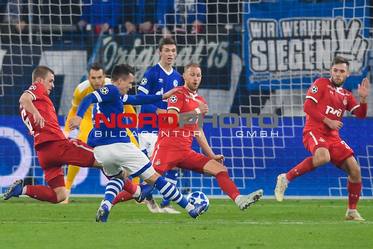 11.12.2018, VELTINS Arena, Gelsenkirchen, Deutschland, GER, UEFA Champions League, Gruppenphase, Gruppe D, FC Schalke 04 vs. FC Lokomotiv Moskva / Moskau<br /> <br /> DFL REGULATIONS PROHIBIT ANY USE OF PHOTOGRAPHS AS IMAGE SEQUENCES AND/OR QUASI-VIDEO.<br /> <br /> im Bild Torschuss Yevhen Konoplyanka (#11 Schalke)<br /> <br /> Foto © nordphoto / Kurth