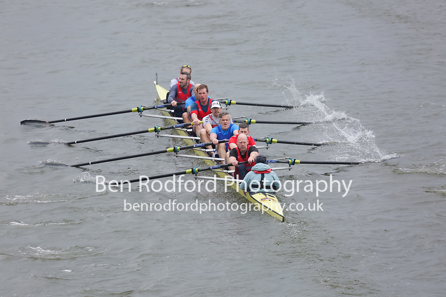 Crew: 19   Castleconnell Boat Club (IE)/Shannon Rowing Club (IE)/Commercial RC (IE)   MasC.8+<br /> <br /> Veterans' Head of the River Race 2018<br /> <br /> To purchase this photo, or to see pricing information for Prints and Downloads, click the blue 'Add to Cart' button at the top-right of the page.