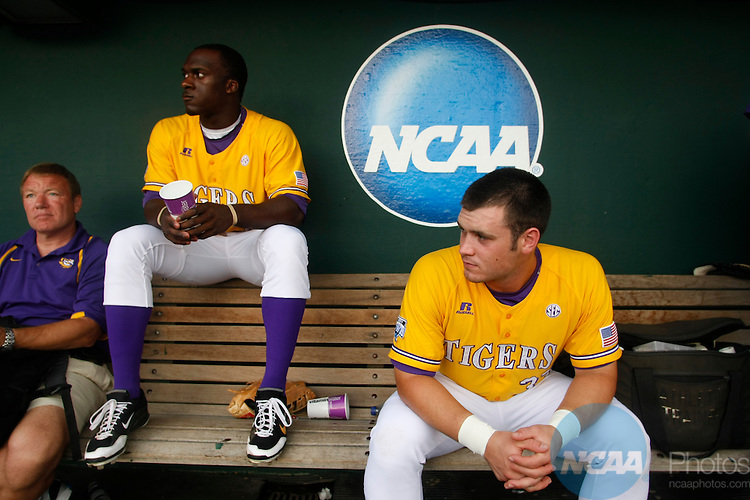 23 JUNE 2009:  Louisiana State University takes on the University of Texas during the Division I Men's Baseball Championship held at Rosenblatt Stadium in Omaha, NE.  Jamie Schwaberow/NCAA Photos