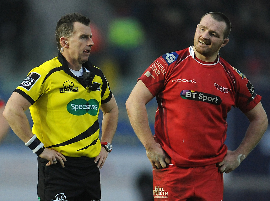 Referee Nigel Owens chats to Scarlets' Ken Owens during the game<br /> <br /> Photographer Ian Cook/CameraSport<br /> <br /> Rugby Union - Guinness Pro12 Round 10 - Scarlets v Ospreys - Saturday 26th December 2015 - Parc y Scarlets - Llanelli<br /> <br /> &copy; CameraSport - 43 Linden Ave. Countesthorpe. Leicester. England. LE8 5PG - Tel: +44 (0) 116 277 4147 - admin@camerasport.com - www.camerasport.com