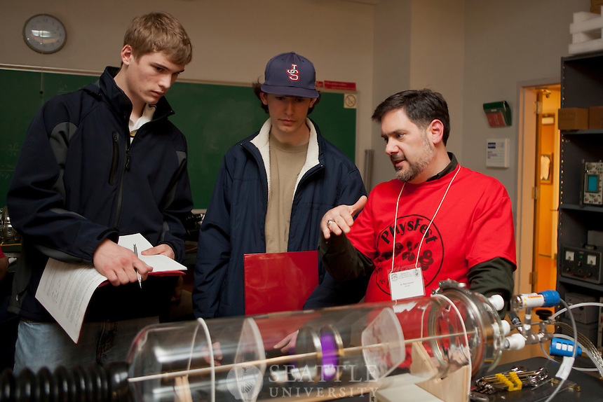 Highschool students take part in physics experiments during PhysFest 2012 held in Bannan.