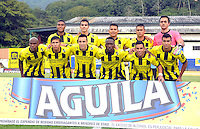 FLORIDABLANCA -COLOMBIA, 11-FEBERERO-2015.  Formacion  de Alianza Petrolera contra  Aguilas Pereira durante encuentro  por la fecha 3 de la Liga Aguila I 2015 disputado en el estadio Alvaro G—mez Hurtado de la ciudad de Floridablanca./ Team  of Alianza Petrolera against of Aguilas Pereira during match for the third date of the Aguila League I 2015 played at Alvaro Gomez Hurtado stadium in Floridablanca city Photo:VizzorImage / Jose Martinez  / STR