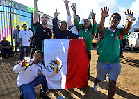 SAO PAULO - BRASIL -10-06-2014. Seguidores selección de fútbol de Mexico viven una fiesta previo al partido inaugural entre Brasil y Croacia en el estadio Arena de Sao Paulo de la Copa Mundial de la FIFA Brasil 2014./ Fans of Mexico National Soccer Team live a party, today 11 of June 2014, prior their inaugural match between Brazil and Croatia at Arena Corinthians stadium the next Thursday 12 of June in the 2014 FIFA World Cup Brazil. Photo: VizzorImage / Alfredo Gutiérrez / Cont