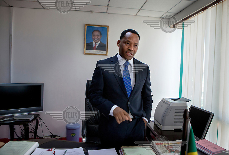 Tansania's Minister for Natural Resourses and Tourism, Lazaro Nyalandu MP in his office in Dar Es Salaam