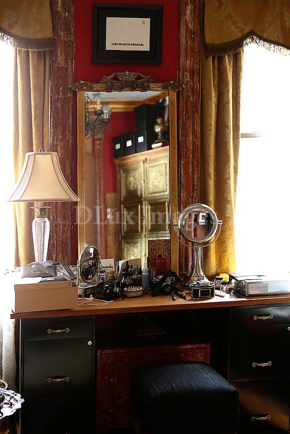 Wooden vanity table