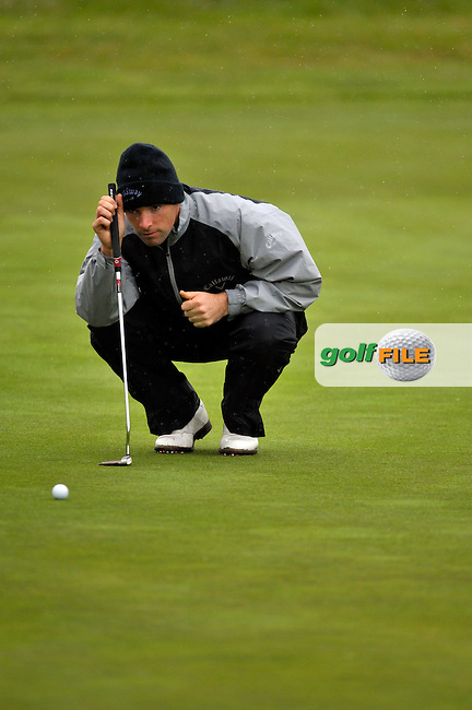 Oliver Wilson lines up his putt on the 12th green during Round1 of the 3 Irish Open on 14th May 2009 (Photo by Eoin Clarke/GOLFFILE)
