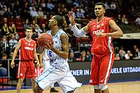 GRONINGEN - Basketbal, Donar - Aris, Dutch Baketball League, seizoen 2018-2019, 10-10-2018,  Donar speler Jason Dourisseau met Aris speler David Michaels