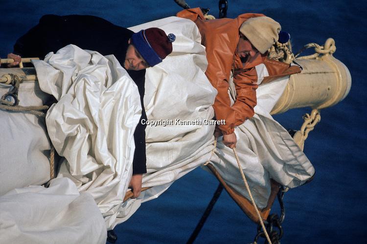 Square Rigger; Dar Pormorza,Sail race, Operation Sail Tall Ships; Sail Training Association; US Bicentennial; Atlantic Ocean; adventure; STA, 1976, Seamanship, cadet training