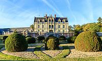 France, Indre-et-Loire (37), Montlouis-sur-Loire, jardins du château de la Bourdaisière, la façade sud du château