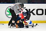 ***BETALBILD***  <br /> Stockholm 2015-09-04 Ishockey CHL Djurg&aring;rdens IF - EV Zug :  <br /> Djurg&aring;rdens Alexander Falk i br&aring;k med Zugs Johann Morant under matchen mellan Djurg&aring;rdens IF och EV Zug <br /> (Foto: Kenta J&ouml;nsson) Nyckelord:  Ishockey Hockey CHL Hovet Johanneshovs Isstadion Djurg&aring;rden DIF Zug slagsm&aring;l br&aring;k fight fajt gruff
