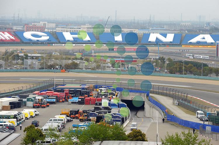 F1 GP of China, Shanghai 16.- 18. April 2010.F1 - Air Freight Containers..Hasan Bratic;Koblenzerstr.3;56412 Nentershausen;Tel.:0172-2733357;.hb-press-agency@t-online.de;http://www.uptodate-bildagentur.de;.Veroeffentlichung gem. AGB - Stand 09.2006; Foto ist Honorarpflichtig zzgl. 7% Ust.;Hasan Bratic,Koblenzerstr.3,Postfach 1117,56412 Nentershausen; Steuer-Nr.: 30 807 6032 6;Finanzamt Montabaur;  Nassauische Sparkasse Nentershausen; Konto 828017896, BLZ 510 500 15;SWIFT-BIC: NASS DE 55;IBAN: DE69 5105 0015 0828 0178 96; Belegexemplar erforderlich!..