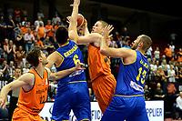 GRONINGEN - Basketbal, Nederland - Roemenie, WK kwalificatie 2019, Martiniplaza, 28-06-2018 Roeland Schaftenaar met Julian Orbeanu