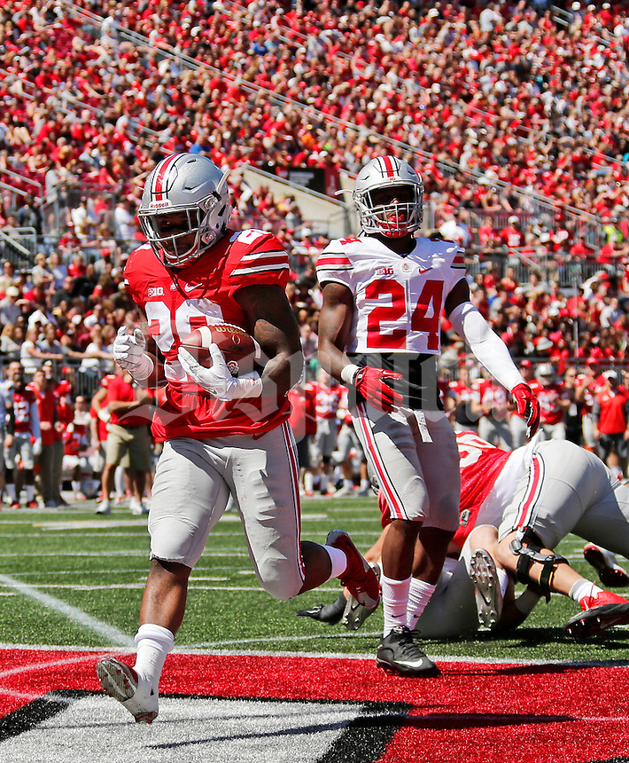 during the Spring Game at Ohio Stadium in Columbus on Saturday, April 16, 2016. Grey led the game at halftime 21-6. (Barbara J. Perenic/The Columbus Dispatch)