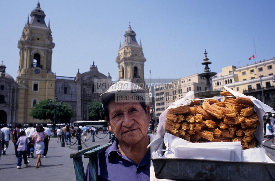 Amérique/Amérique du Sud/Pérou/Lima : La Plaza de Armas - Vendeur de beignets