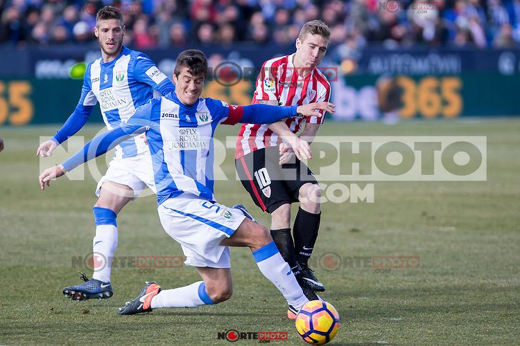 Club Deportivo Leganes's Martin Mantovani, Atletic de Bilbao's Iker Muniain  during the match of La Liga between Leganes and Athletic Club at Butarque Stadium  in Madrid , Spain. January  14, 2017. (ALTERPHOTOS/Rodrigo Jimenez) /NORTEPHOTO.COM