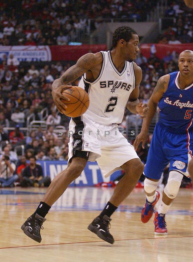 San Antonio Spurs Kawhi Leonard (2)
