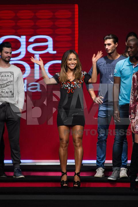 SÃO PAULO, SP, 04.03.2015 - MEGA FASHION WEEK - Sabrina Satoo desfila no Mega Fashion Week, evento de moda que acontece em São Paulo (SP), na tarde desta quarta-feira (4). (Foto: Kevin David / Brazil Photo Press)