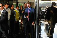 RIO DE JANEIRO, RJ, 09 DE MARÇO DE 2012 - VISITA OFICIAL DO PRÍNCIPE HARRY. O Príncipe Harry durante desembarque no Aeroporto Internacional do Rio de Janeiro/Galeão - Antônio Carlos Jobim, na manhã desta sexta-feira para visita oficial a Cidade do Rio de Janeiro.  FOTO GLAICON EMRICH - AGENCIA BRAZIL PHOTO PRESS