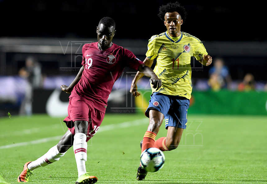 SAO PAULO – BRASIL, 19-06-2019: Juan Cuadrado de Colombia en acción durante partido de la Copa América Brasil 2019, grupo B, entre Colombia y Catar jugado en el Estadio Morumbí de Sao Paulo, Brasil. / Juan Cuadrado of Colombia in action during the Copa America Brazil 2019 group B match between Colombia and Qatar played at Morumbi stadium in Sao Paulo, Brazil. Photos: VizzorImage / Julian Medina / Contribuidor