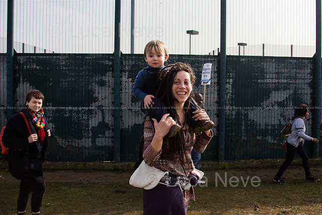 Bedford (Bedfordshire, England), 12/03/2016. Today, more than a thousand activists and members of the public from across the UK gathered outside the notorious Yarl's Wood I.R.C. Immigration Removal Centre in Bedfordshire, lead by the &quot;Movement for Justice By Any Means Necessary&quot; to protest against the alleged inhuman conditions of the detainees (showed in a recent Channel 4 undercover investigation - http://bit.ly/1E6X4pz) and to call for its immediate closure. &lt;&lt;Yarl's Wood Immigration Removal Centre is a detention centre for foreign nationals prior to their deportation from the United Kingdom, one of 13 such centres currently in the UK. It is located near Milton Ernest in Bedfordshire, England, and is operated by Serco (British outsourcing company based in Hook, Hampshire. It operates public and private transport and traffic control, aviation, military weapons, detention centres, prisons and schools on behalf of its customers &ndash; Source Wikipedia.com), who describe the place as &quot;a fully contained residential centre housing adult women and adult family groups awaiting immigration clearance.&quot; Its population is, and has been, overwhelmingly female. [&hellip;] &gt;&gt; (Source &ndash; Wikipedia.com at http://bit.ly/1GiTFWB).<br /> <br /> For more information please click here:  https://www.facebook.com/events/1084119398266917/?active_tab=posts &amp; http://www.movementforjustice.org/
