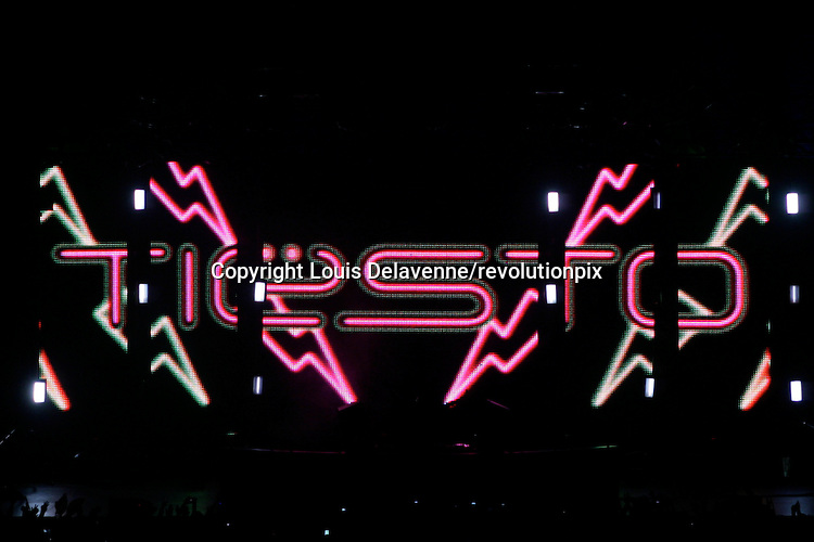 Tiesto <br /> Los Angeles<br /> November 27 2009<br /> Michiel Verwest, a.k.a. Tiesto playing live at The Shrine Auditorium in Los Angeles while  touring  his fourth studio album, Kaleidescope<br /> ID revpix91127991