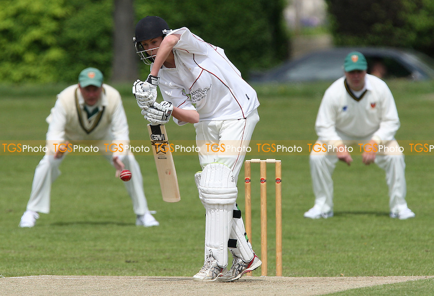 Billy Gordon bats for Hornchurch - Hornchurch CC vs Old Southendians CC - Essex Cricket League Cup at Harrow Lodge Park - 25/04/09 - MANDATORY CREDIT: Gavin Ellis/TGSPHOTO - Self billing applies where appropriate - 0845 094 6026 - contact@tgsphoto.co.uk - NO UNPAID USE.
