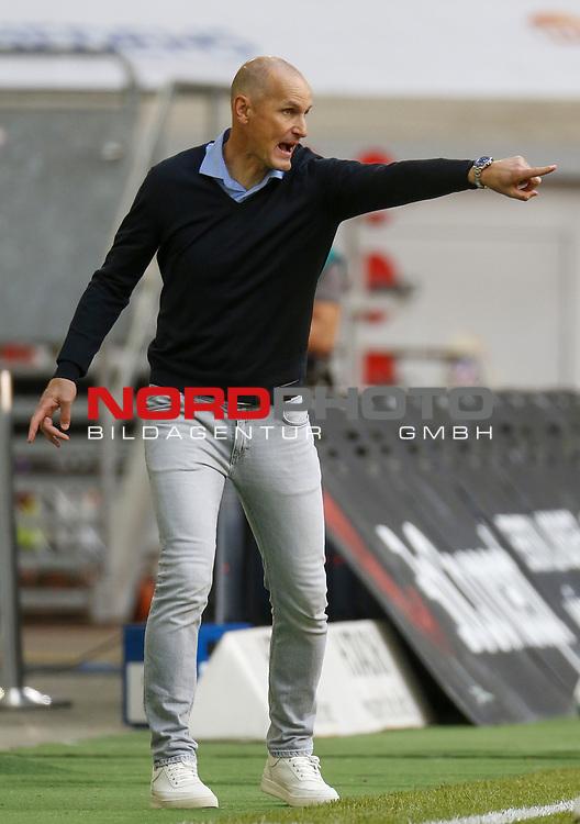 Trainer Heiko Herrlich (FCA)<br /><br /><br />20.06.2020, Fussball, 1. Bundesliga, Saison 2019 / 2020<br />33.Spieltag, Fortuna Duesseldorf : FC Augsburg<br /><br />Foto : NORBERT SCHMIDT/POOL/ via Meuter/nordphoto<br /><br />Nur für journalistische Zwecke ! Only for editorial use .