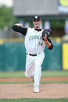 June 8, 2009: Kenny Smalley (14) of the Kane County Cougars at Elfstrom Stadium in Geneva, IL..  Photo by: Chris Proctor/Four Seam Images