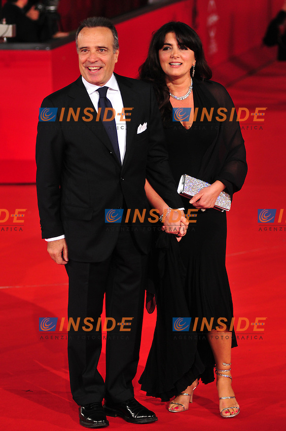 Third edition of the Rome International film festival<br /> Enrico Montesano e sua moglie Teresa Trisorio <br /> Roma 23/10/2008 <br /> Red Carpet 'L'uomo che ama'<br /> Photo &copy; Luca Cavallari Insidefoto