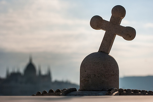 Exploring  a little off the beaten track in Budapest<br /> A cross on the bridge