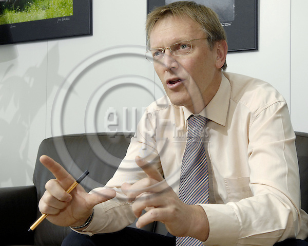 Brussels-Belgium - 05 March 2008---Janez POTOCNIK (Poto?nik), European Commissioner in charge of Science and Research, during an interview in his office---Photo: Horst Wagner / eup-images