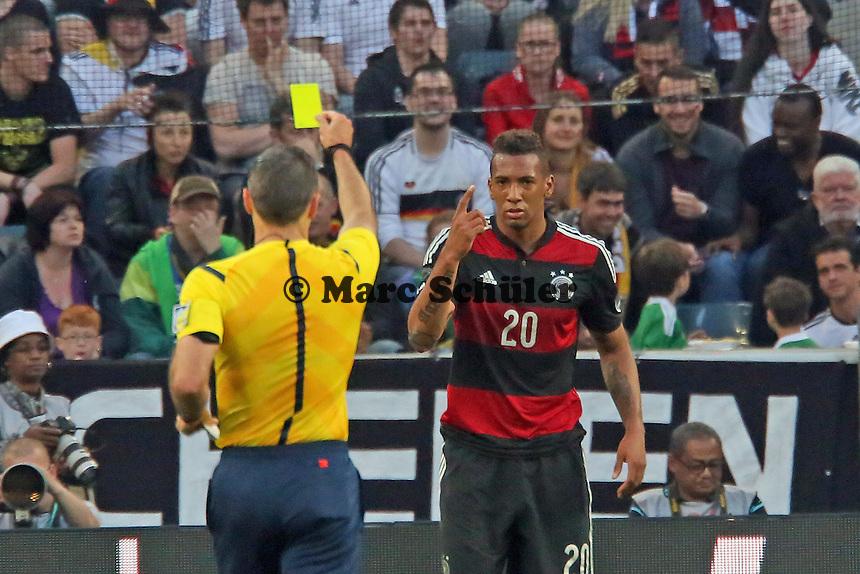 Gelbe Karte für Jerome Boateng (D) - Deutschland vs. Kamerun, Mönchengladbach