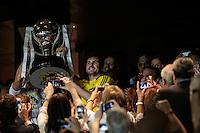 MADRI, ESPANHA, 13 DE MAIO 2012 - CAMPEONATO ESPANHOL - RODADA 38 - REAL MADRID X MALLORCA - Cristiano Ronaldo jogador do Real Madrid comemora gol durante  partida contra o Mallorca em partida valida pela ultima rodada do Campeonato Espanhol, no Estadio Santiago Bernabeu em Madri capital da Espanha, neste domingo dia 13. (FOTO: WILLIAM VOLCOV / BRAZIL PHOTO PRESS). jogador do Real Madrid momentos antes da partida contra o Mallorca em partida valida pela ultima rodada do Campeonato Espanhol, no Estadio Santiago Bernabeu em Madri capital da Espanha, neste domingo dia 13. (FOTO: WILLIAM VOLCOV / BRAZIL PHOTO PRESS). jogador do Real Madrid durante lance de partida contra o Mallorca em partida valida pela ultima rodada do Campeonato Espanhol, no Estadio Santiago Bernabeu em Madri capital da Espanha, neste domingo dia 13. (FOTO: WILLIAM VOLCOV / BRAZIL PHOTO PRESS). Real Madrid levanta o trofeu da conquista do Campeonato Espanho apos enfrentar o Mallorca em partida valida pela ultima rodada do Campeonato Espanhol, no Estadio Santiago Bernabeu em Madri capital da Espanha, neste domingo dia 13. (FOTO: WILLIAM VOLCOV / BRAZIL PHOTO PRESS).
