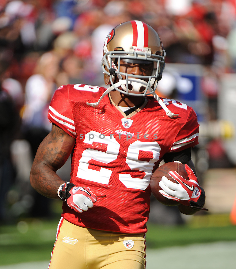 CHRIS CULLIVER, of the San Francisco 49ers, in action during the 49ers game against the New York Giants on November 13, 2011 at Candlestick Park in San Francisco, CA. The 49ers beat the Giants 27-20.