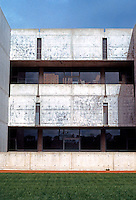 Louis I. Kahn: Salk Institute, La Jolla 1965. Southern Elevation. Photo 2004.
