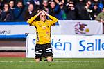 Uppsala 2014-05-01 Fotboll Svenska Cupen IK Sirius - IF Elfsborg :  <br /> Elfsborgs Simon Hedlund tar sig f&ouml;r huvudet n&auml;r han tittar mot domare Andreas Ekberg efter att ha blivit f&auml;lld av Sirius m&aring;lvakt Jonas Bylund innanf&ouml;r straffomr&aring;det<br /> (Foto: Kenta J&ouml;nsson) Nyckelord:  Svenska Cupen Cup Semifinal Semi Sirius IKS Elfsborg IFE portr&auml;tt portrait