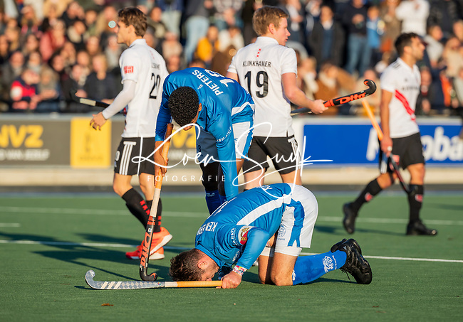 UTRECHT - Blessure bij Robbert Kemperman (Kampong)   tijdens  de hoofdklasse hockeywedstrijd mannen, Kampong-Amsterdam (4-3).  COPYRIGHT KOEN SUYK