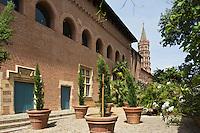 Europe/France/Midi-Pyrénées/31/Haute-Garonne/Toulouse: Musée Saint-Raymond, Musée des Antiques de Toulouse et  clocher de la  Basilique Saint-Sernin, étape sur le chemin de Saint-Jacques-de-Compostelle