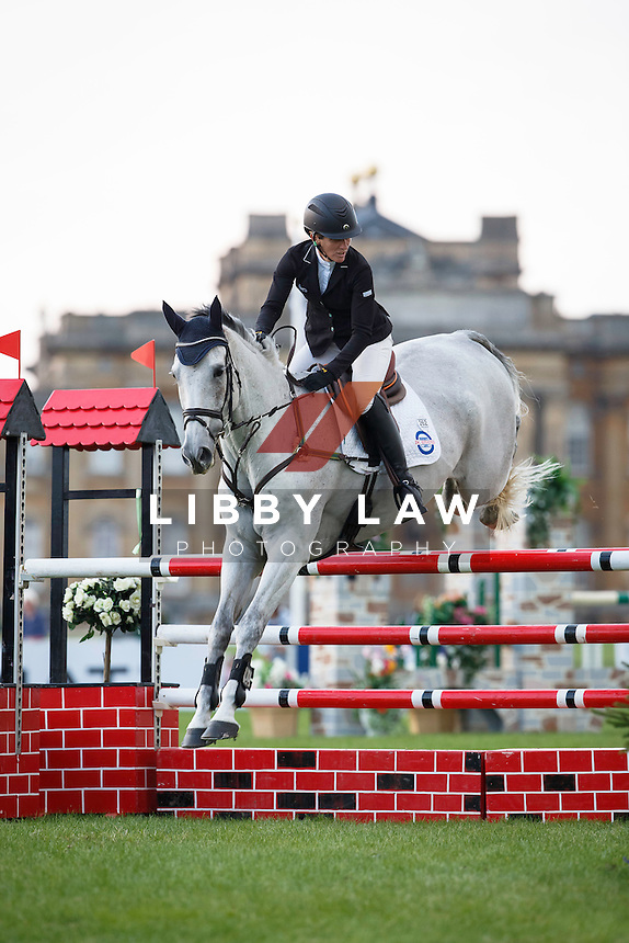 NZL-Caroline Powell (UP UP AND AWAY) INTERIM-7TH: CIC3* 8/9YO SHOWJUMPING: 2015 GBR-Blenheim Palace International Horse Trial (Saturday 19 September) CREDIT: Libby Law COPYRIGHT: LIBBY LAW PHOTOGRAPHY