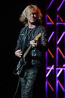 Kenny Wayne Shepherd with Beth Hart In Concert
