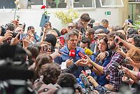 SÃO PAULO, SP, 28.10.2018 - ELEIÇÕES-2018 - O candidato à presidência do Brasil, Fernando Haddad (PT) durante entrevista após votação do segundo turno no colégio Brazilian International School, neste domingo, 28, no bairro de Indianópolis em São Paulo. (Foto: Anderson Lira/Brazil Photo Press/Folhapress)